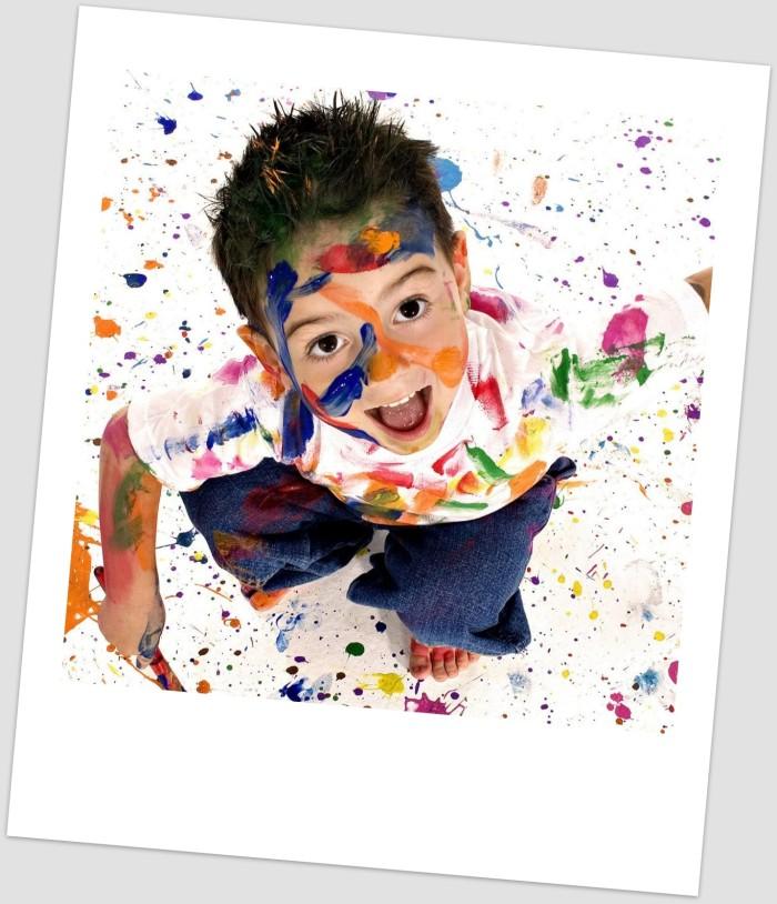 Что делать, когда рисует ребенок на обоях