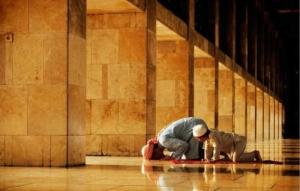 Кто же распределяет Божью милость?